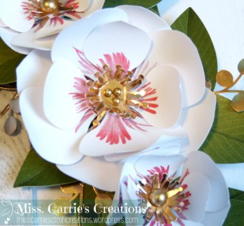 magnoliaframe-wreathflowersdetail-misscarriescreations