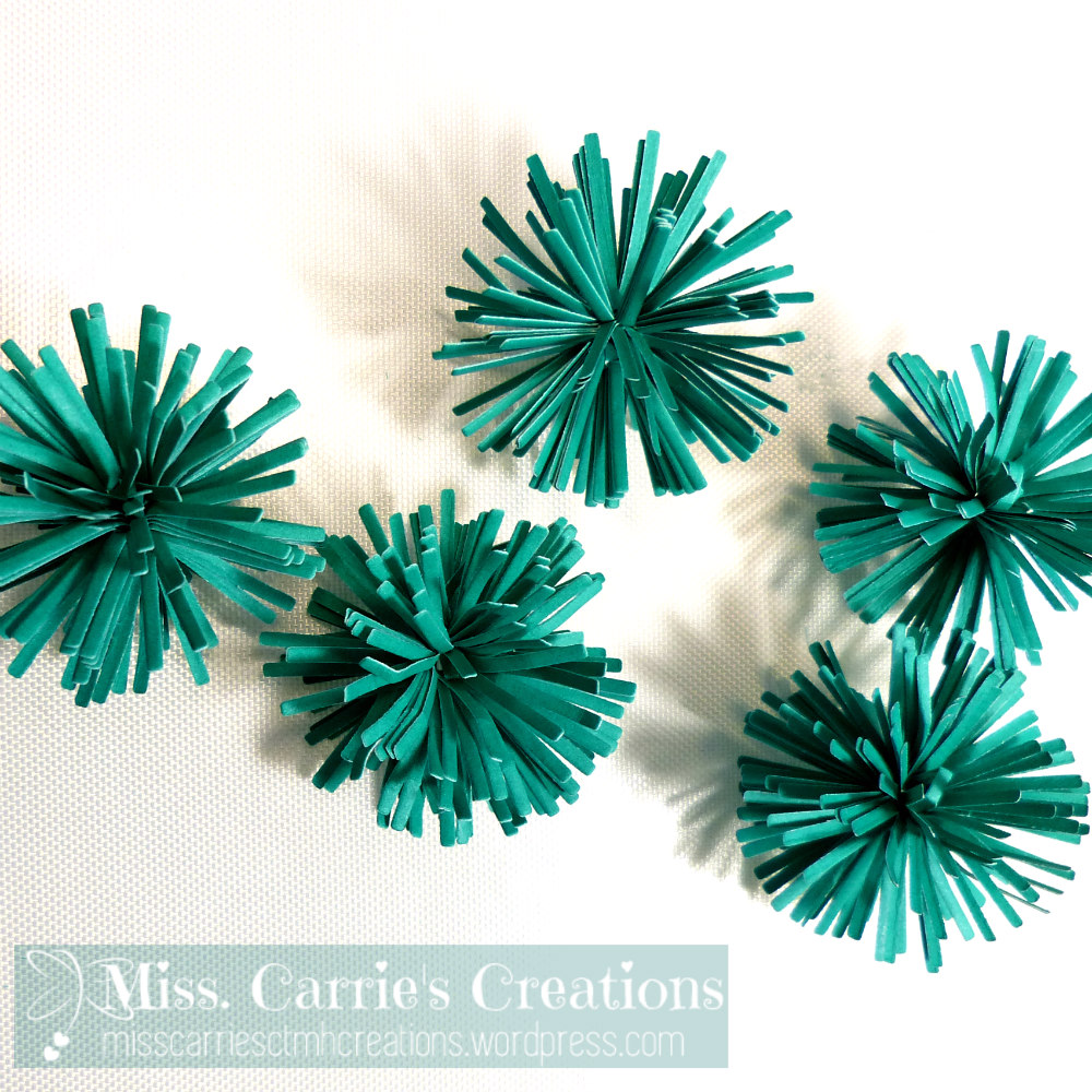 MissCarriesCreations-PaperPomPom