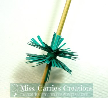 MissCarriesCreations-PaperPomPomCurl2